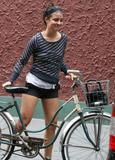 Shiri Appleby - Getting on her bicycle after having lunch with a friend - August 9, 2007 - 5x