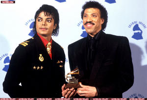 1986- The 28th Grammy Awards Th_799152813_5_122_130lo