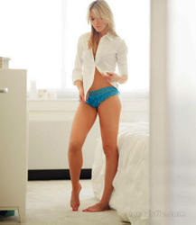 th_440599886_katrina_bowden_equire_me_in_my_place_07_123_467lo.jpg