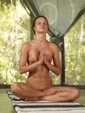 Nude yoga classj1ftu08a00.jpg